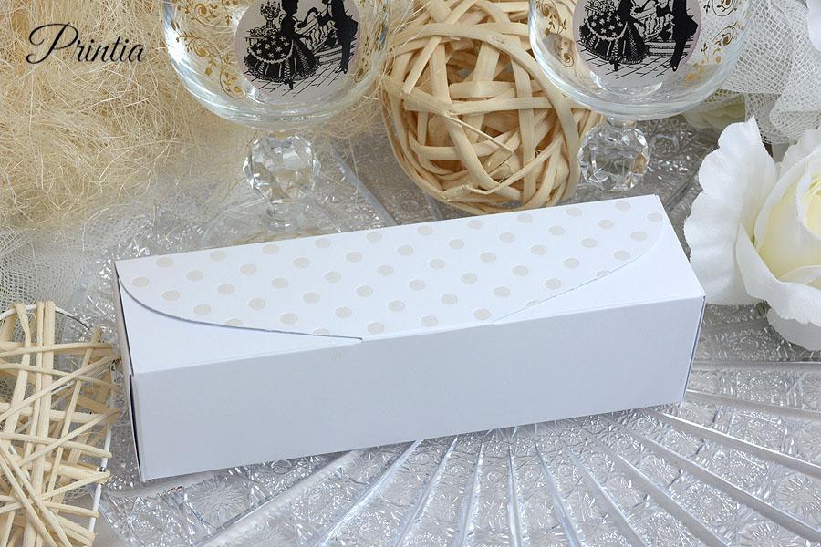 Wedding favor box for macaroons