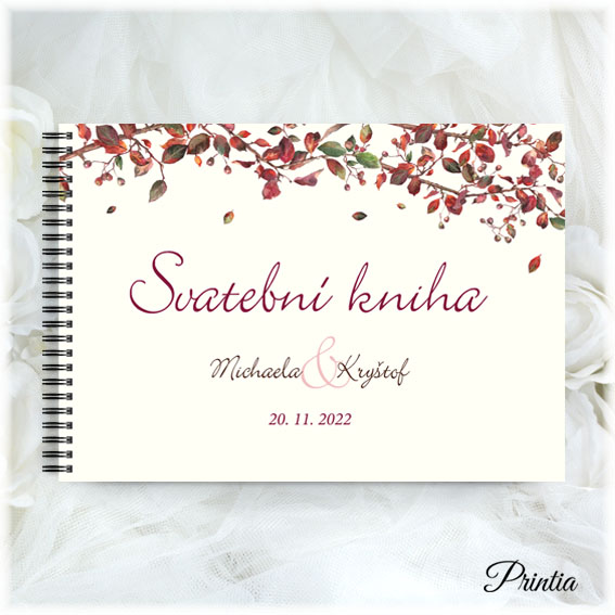 Svadobná kniha s jesenným lístím