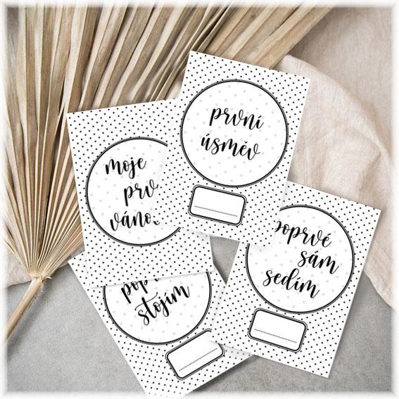 Milníkové kartičky pro miminka s puntíky