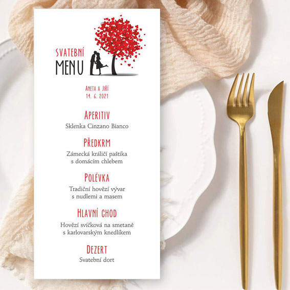 Svatební menu s párem pod stromem