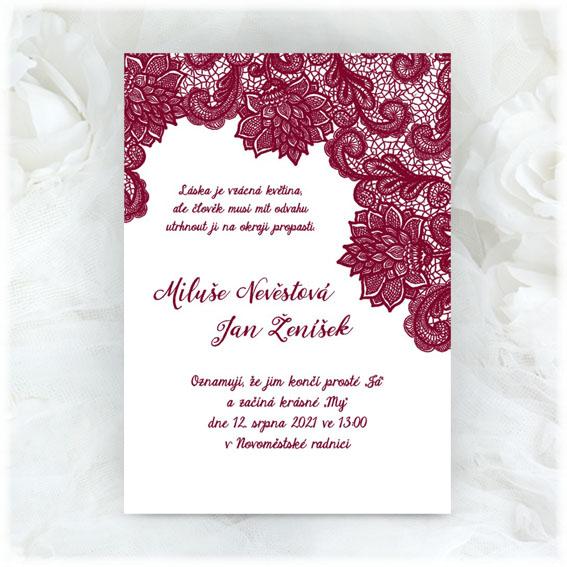 Svatební oznámení s bordó krajkou