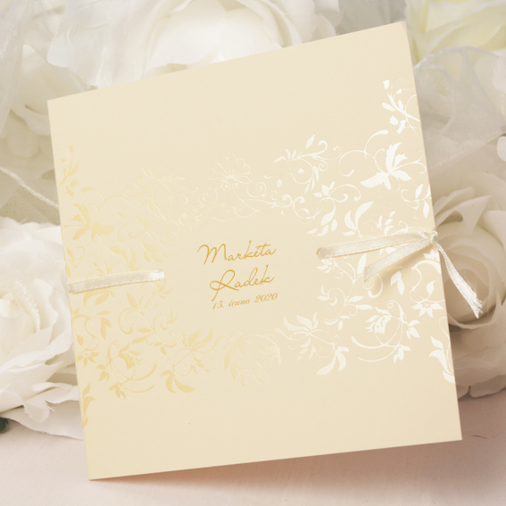 Elegantní otevírací svatební oznámení s krémovo perleťovými lesklými ornamenty