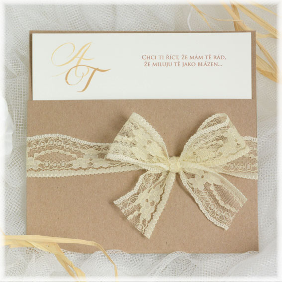 Přírodní svatební oznámení s krajkou recyklovaný papír