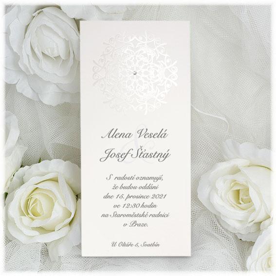 Elegantní zimní svatební oznámení s perleťovou vločkou