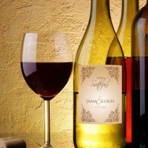 etiketa na svatební víno