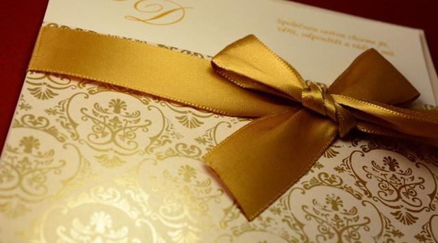 svatební oznámení zlaté se stuhou